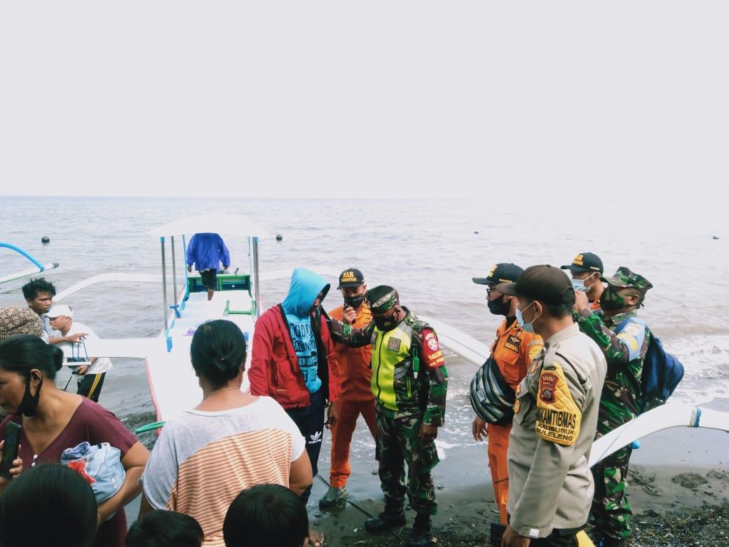 Nelayan Lovina Selamat Meski Jukung Terbalik dan Seharian Terombang Ambing di Tengah Laut