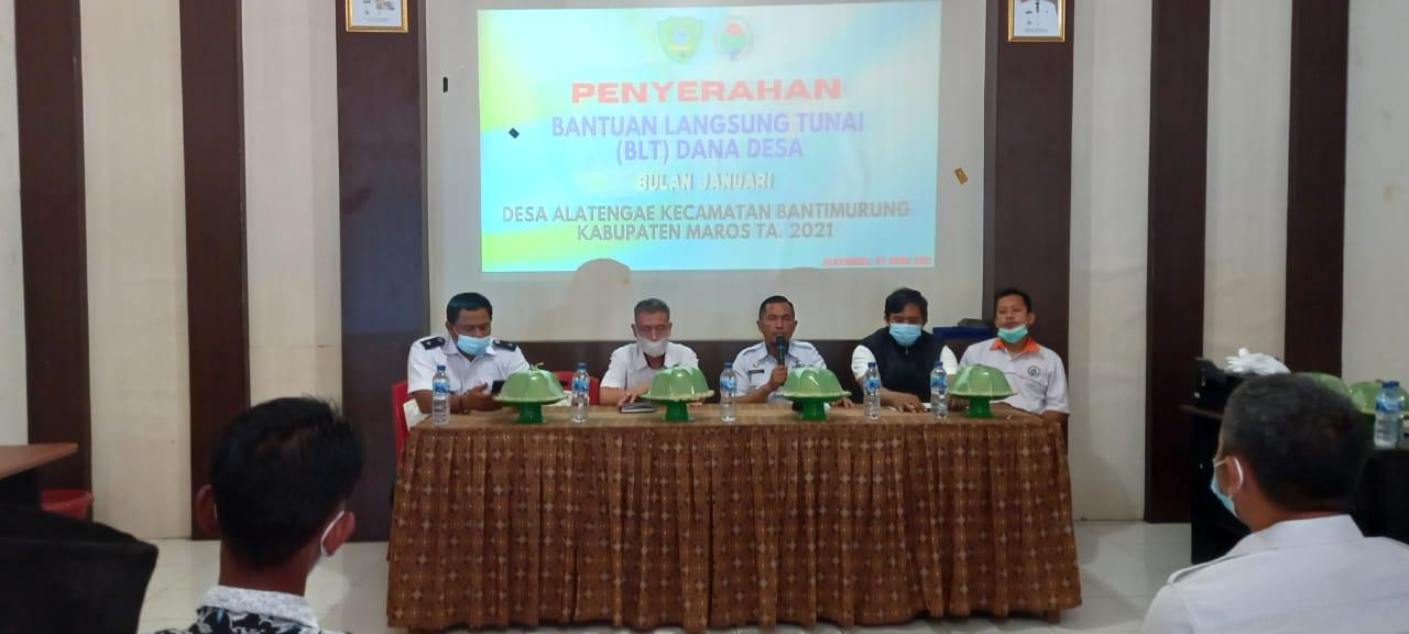 Warga Desa Alatengae Kec Bantimurung Terima BLT DD Tahap Pertama 2021