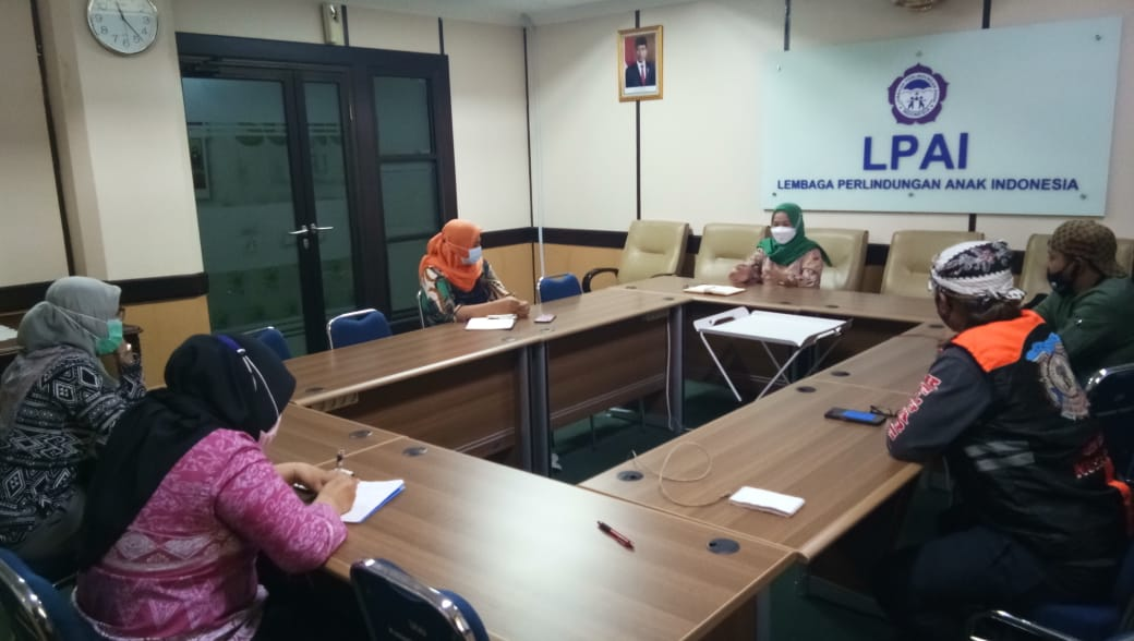 Bantu Anak Korban Bencana NTT,  LPAI Gandeng Relawan Ojol Peduli Bantu Korban Bencana Alam NTT