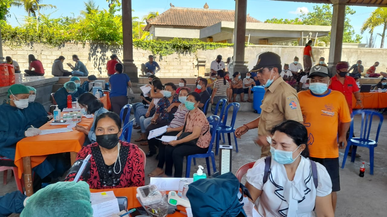Vaksin Massal Warga Lovina, DPRD Turkini Dorong Percepatan Vaksin Bisa Buka Pariwisata