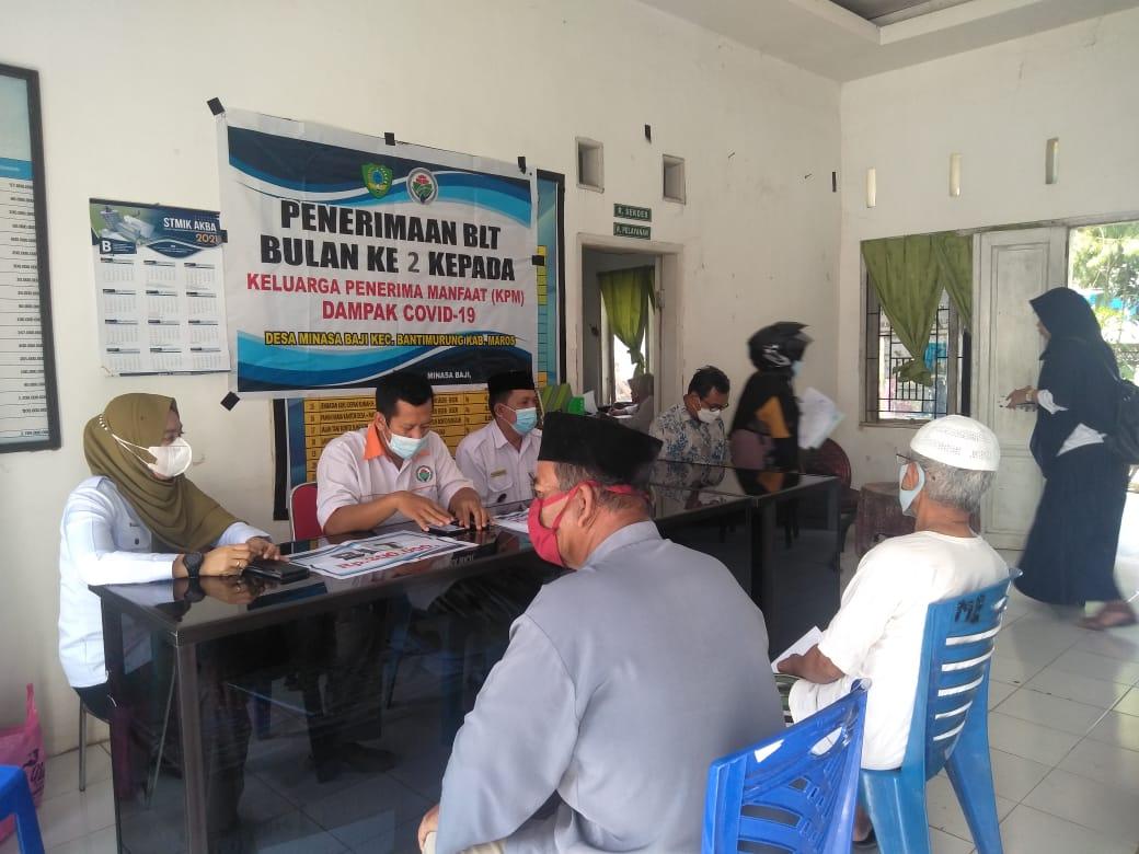 Berkah Ramadhan, Pemdes Minasa Baji Kecamatan Bantimurung Salurkan BLT Tahap 2