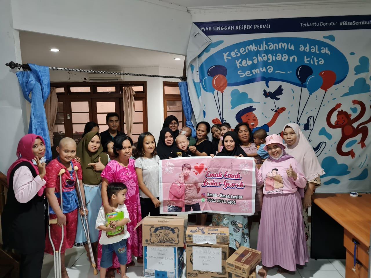 Emak-Emak Leslar – Real DKI Jakarta Kunjungi Rumah Singgah Yayasan Respek Peduli
