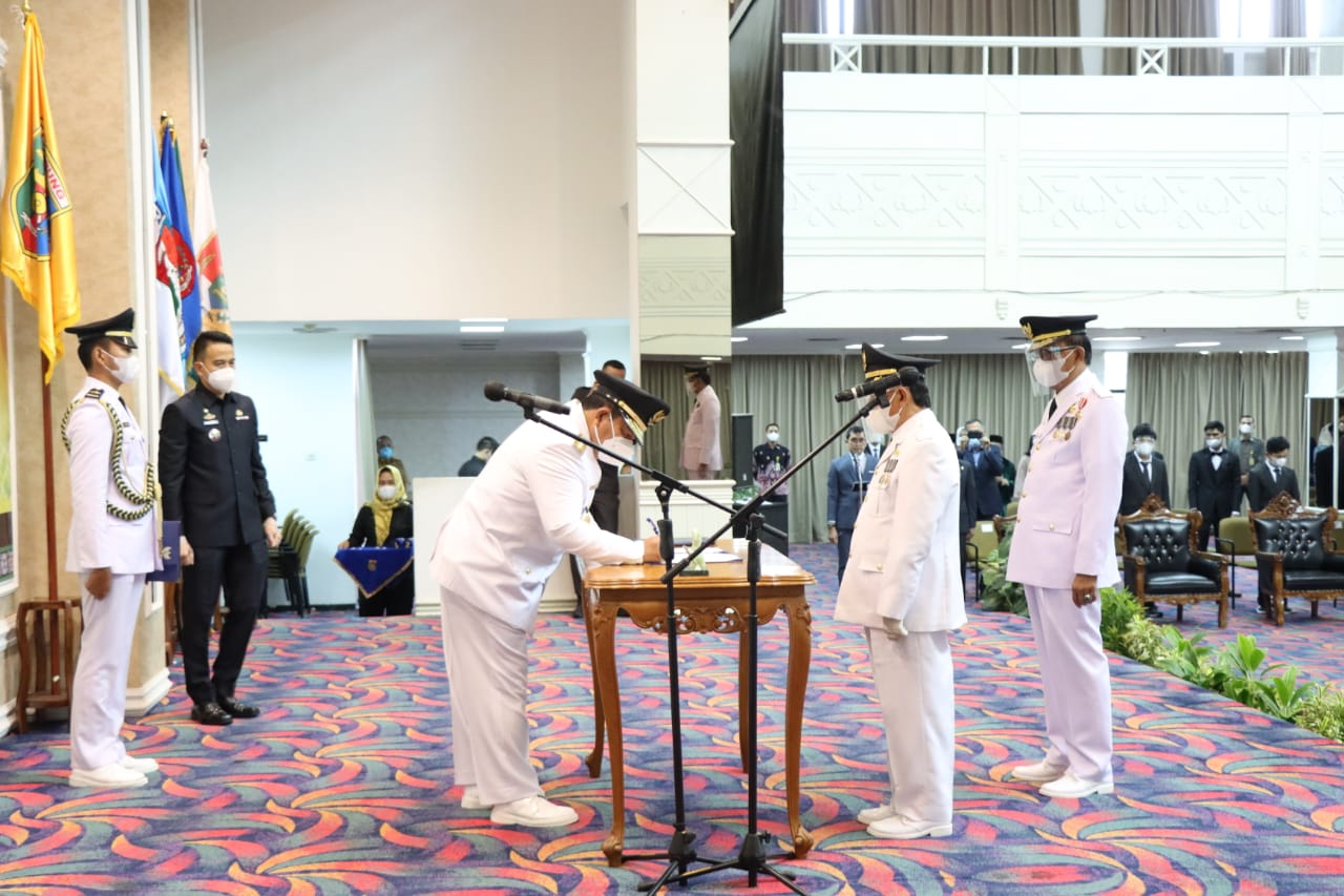 Pelantikan dan Sumpah Jabatan Bupati-Wakil Bupati Pesibar Priode 2021-2024