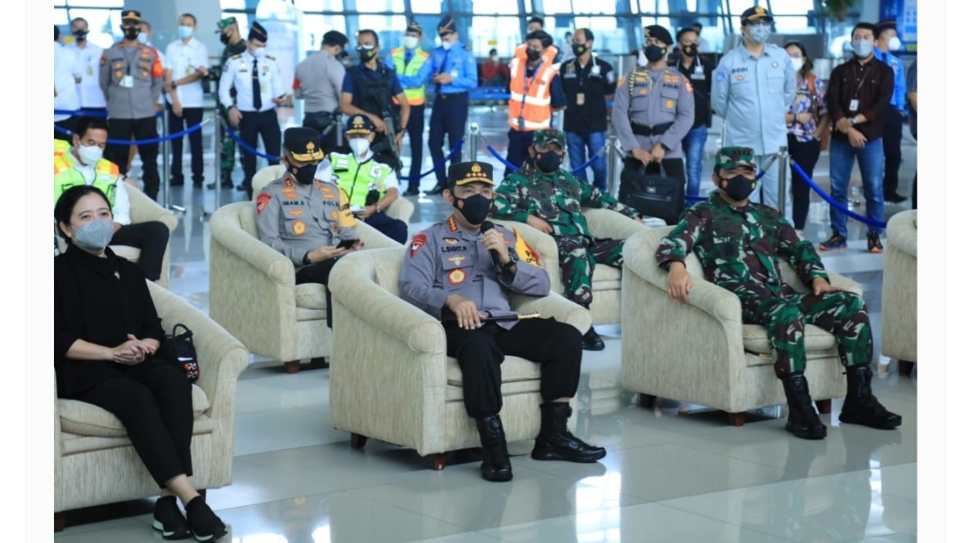 Tinjau Bandara Soetta, Kapolri Menekankan Proses Karantina Bagi Orang dari Luar Negeri ke Indonesia.