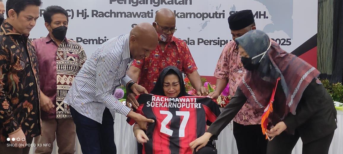 Rachmawati Dikukuhkan Sebagian Ketua Dewan Pembina Klub Sepak Bola Persipura