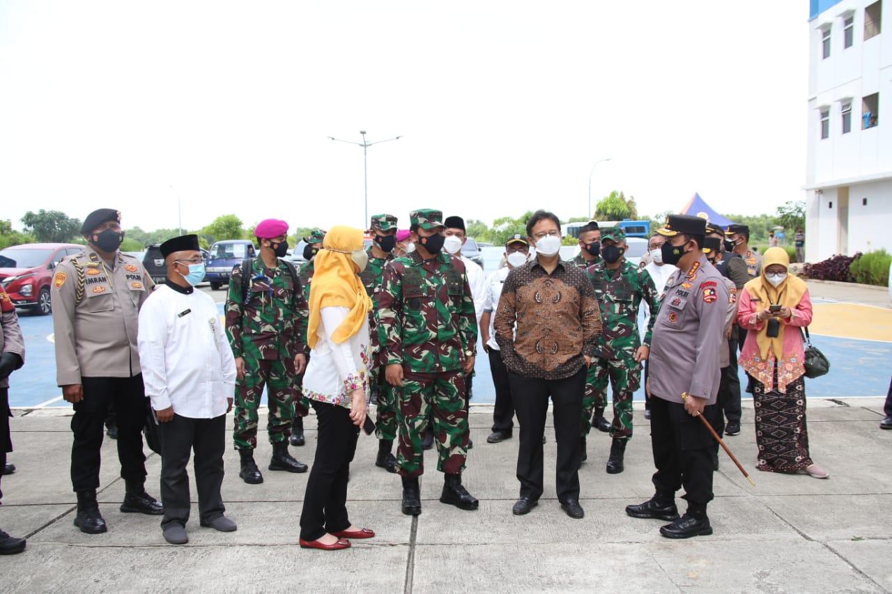 Panglima, Kapolri dan Menkes Cek Beberapa Posko PPKM Mikro di Jakarta