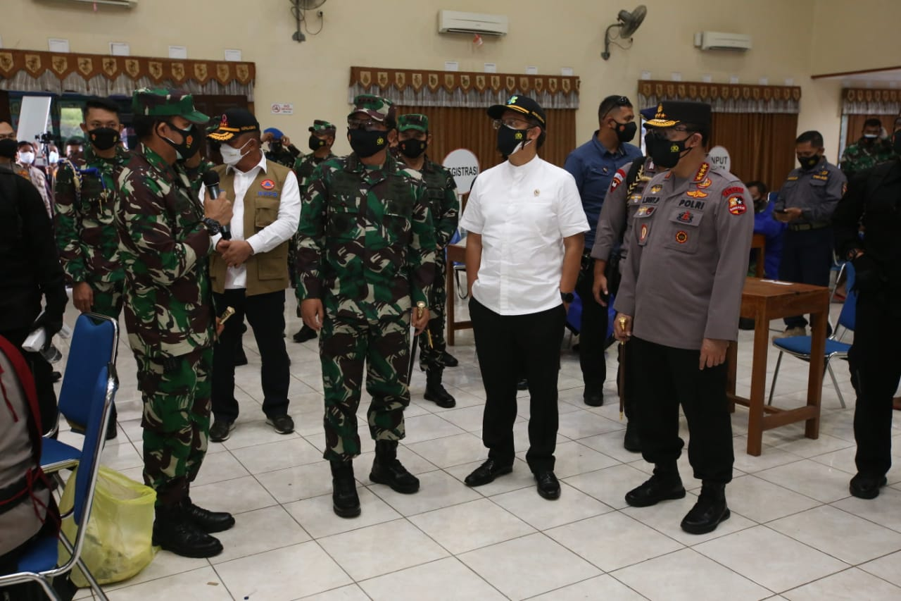 Kapolri: Siap TNI-Polri Bantu Warga Yogyakarta yang Ingin Percepat Vaksinasi Massal