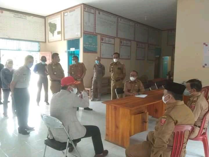 Bupati Lampung Barat ParosilTinjau Posko PPKMBupati Lampung Barat Parosil Tinjau Posko PPKM Mikro di 2 Pekon Mikro di 2 Pekon