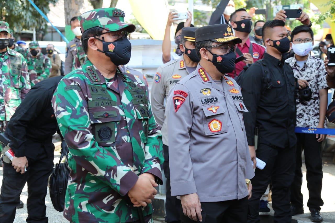 Polri Salurkan Sembako 723.773 Paket dan 3.863 Ton Beras Sepanjang PPKM Darurat Hingga Berlevel