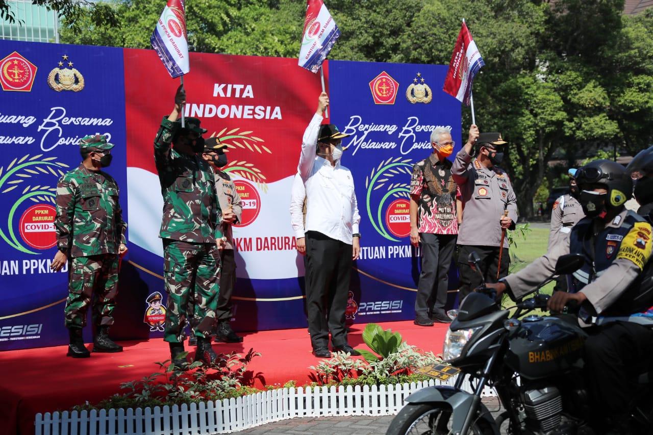 TNI-Polri Distribusikan 30.000 Paket Sembako PPKM Darurat untuk Warga Solo