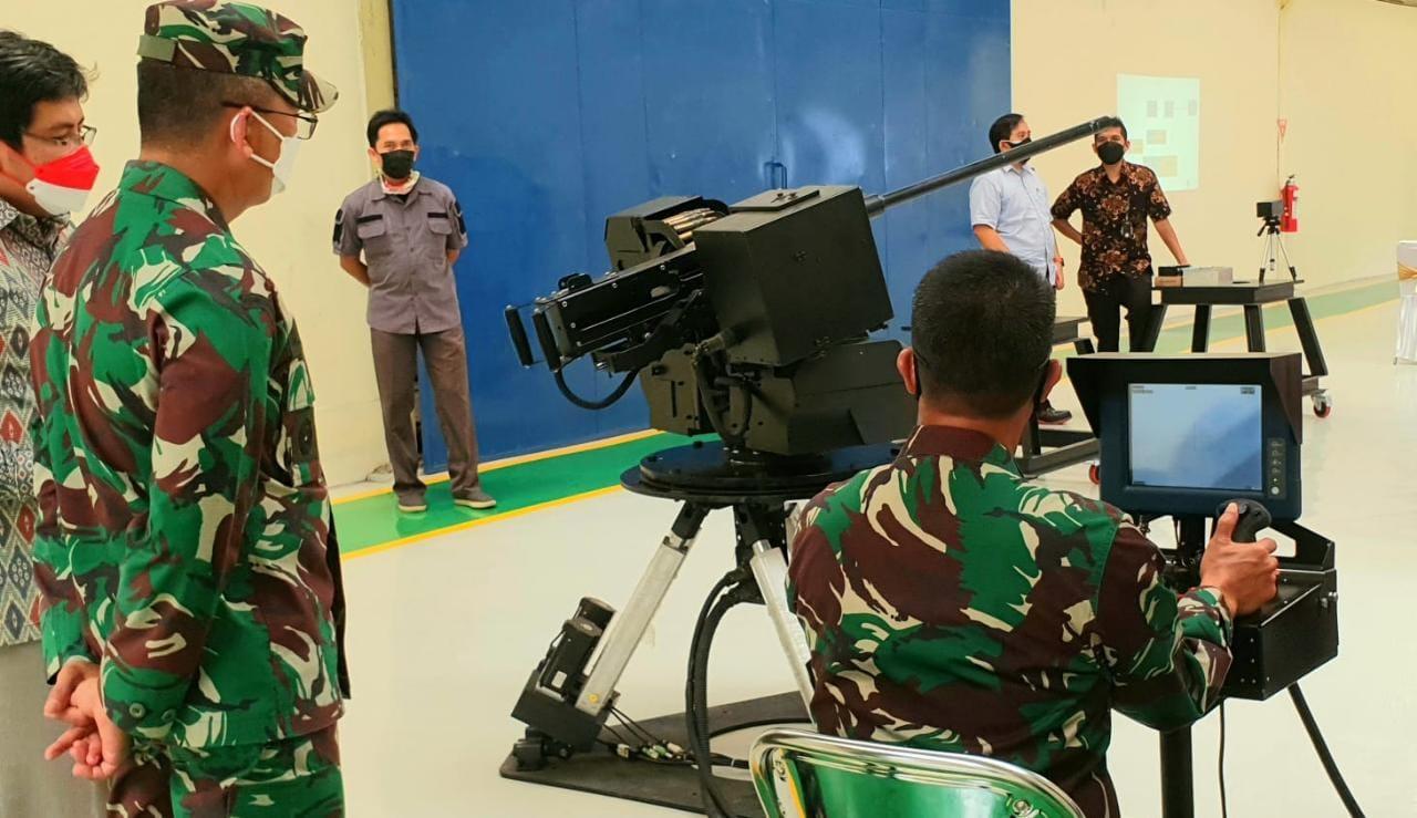 Kadislitbangad Tinjau Pembuatan Prototipe LWS dan RCWS Untuk Ranpur Tank Scorpion