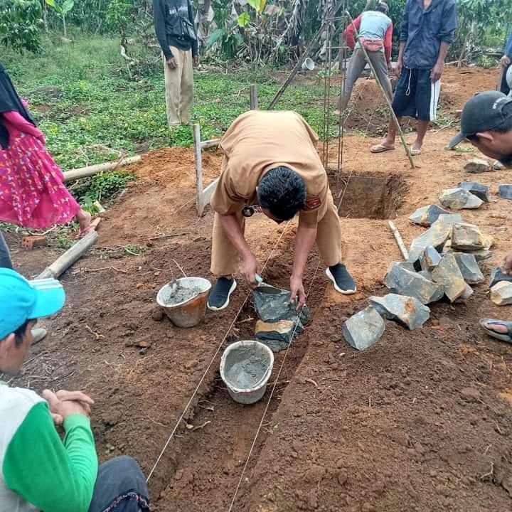 Peratin Andy Waryadi Letakan Batu Pertama Pembangunan Pesantren Rumah Tahfidz Qur'an Al-Wafa