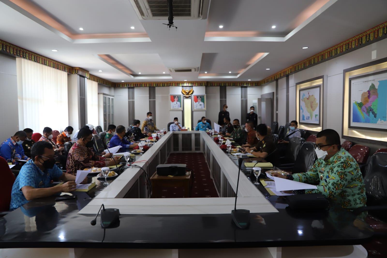 Pemkab Lambar Rapat Evaluasi Kerja Pencegahan dan Penanganan Covid-19 dan PPKM