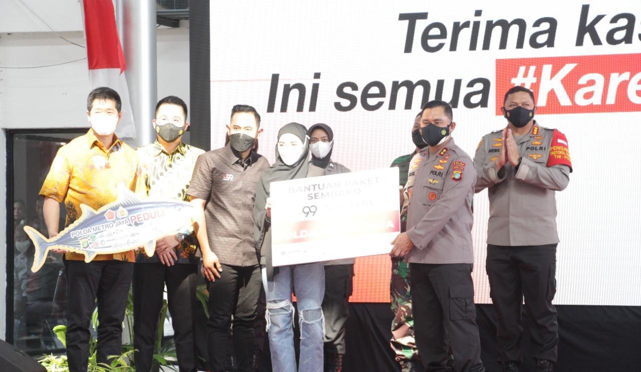 Polres Jakarta Pusat Bagikan 70 Ribu Ikan Olahan dan 5 Ribu Paket Sembako ke Masyarakat
