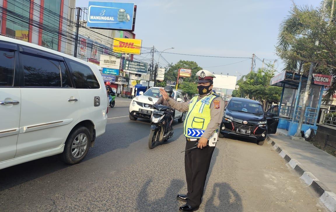 Sat Lantas Polres Ciko Gatur Pagi di Penyeberangan dan Persimpangan, Implementasi Dekat dan Bersahabat