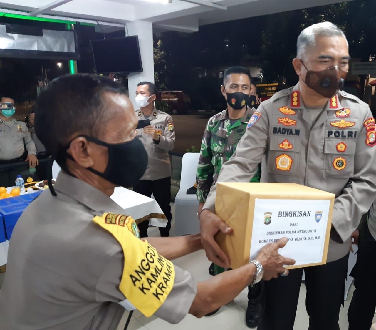 Antisipasi Gangguan Kamtibmas, Ditbinmas Polda Metro Pantau Kegiatan Pos Kamling di Jaksel
